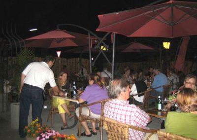 Gemütlicher Abend auf der Sonnenterrasse bei Ihrem Italiener in Augsburg-Hammerschmiede