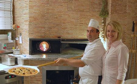 Guiseppe und Michaela Palermo in ihrem italienischen Restaurant La Traviata in Augsburg-Hammerschmiede